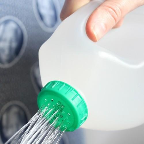 regadera de recipiente de plastico