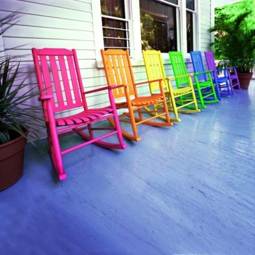 Decorar con mecedoras de colores ideas para jardines y for Mecedoras para jardin