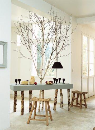 mesa con arbol