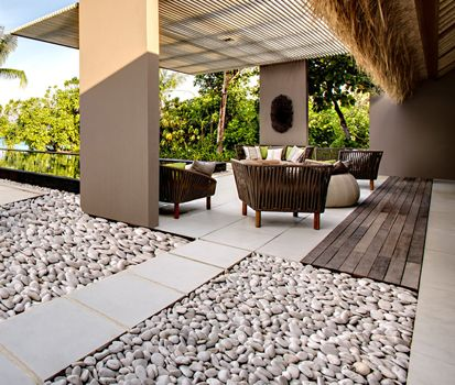 Cantos rodados de m rmol ideas modernas para decorar tu - Fuentes de marmol para jardin ...