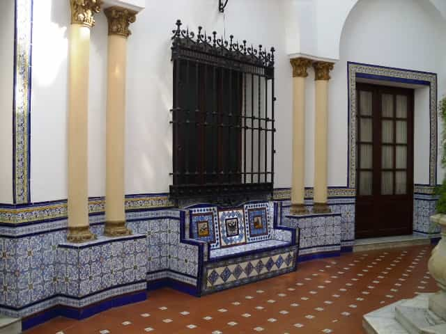 Estilo andaluz en tu patio consejos tiles for Ideas para reformar tu casa