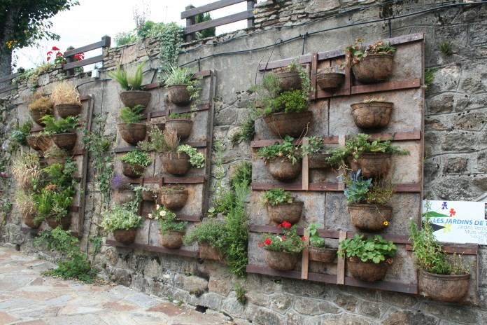 Jardín vertical oxidado