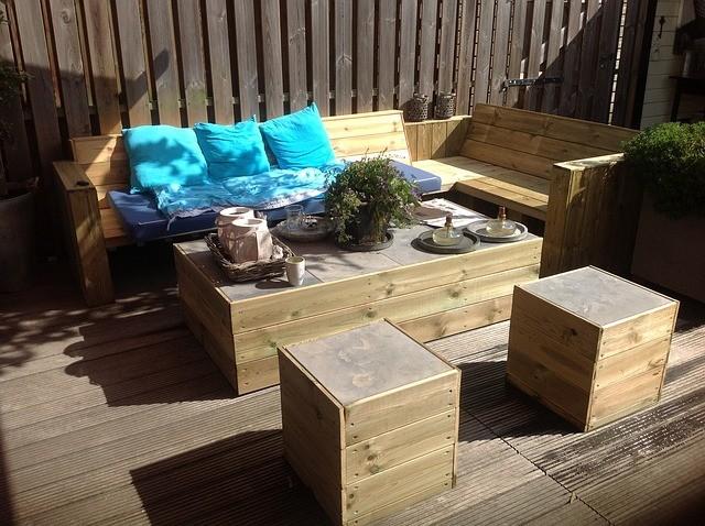 Proteger muebles de madera del jardín 3