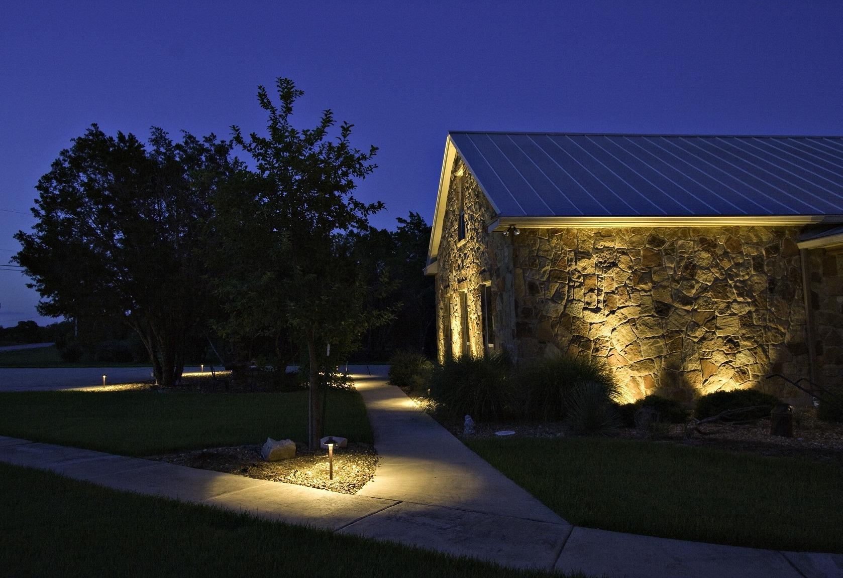 iluminación para disfrutar el jardín 2