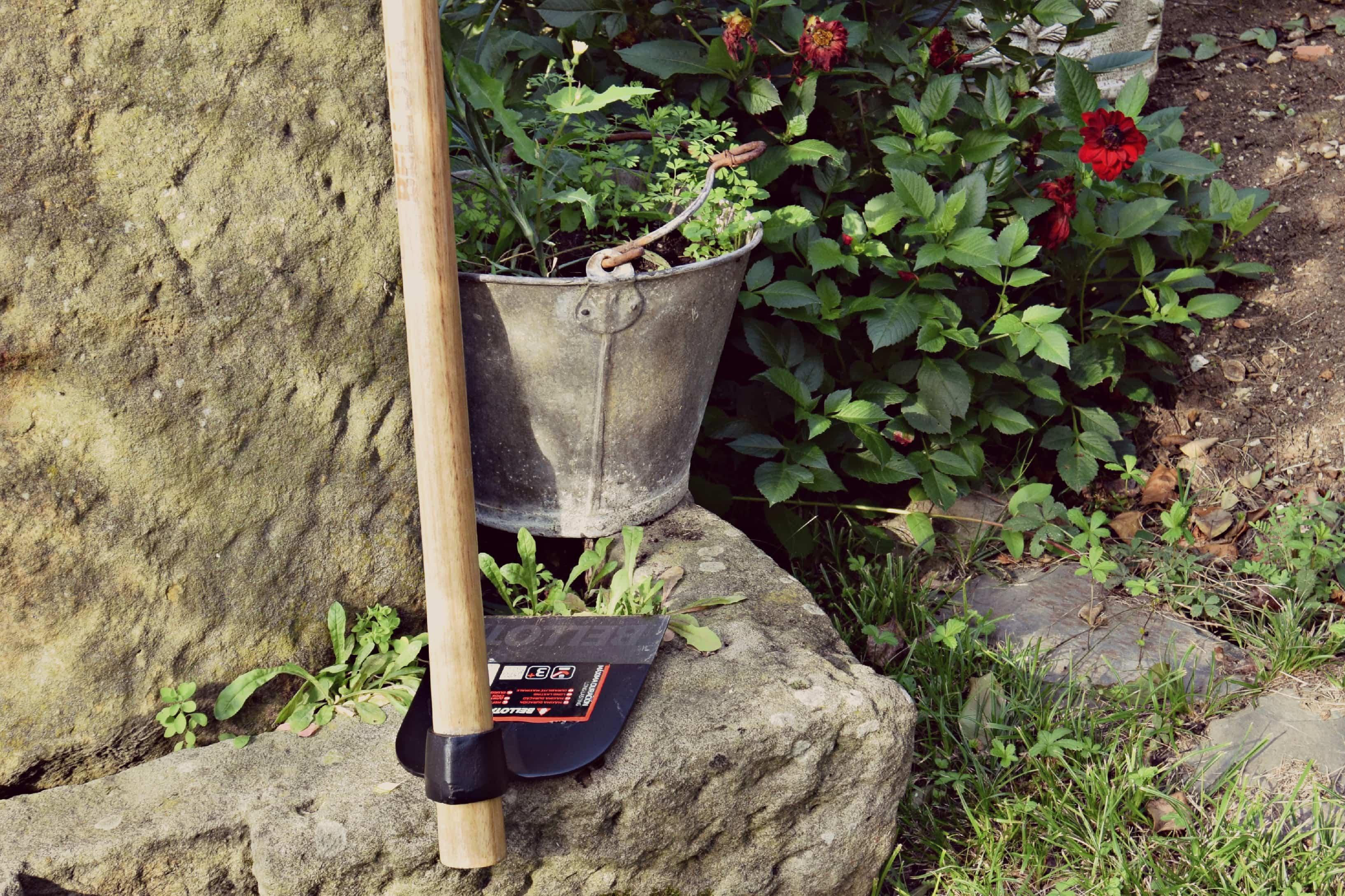 azada Bellota - herramientas de jardineria