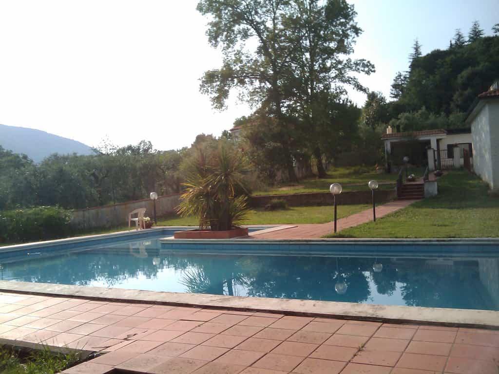 Ideas para proteger la piscina
