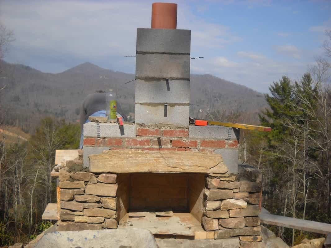 Cómo construir una chimenea para el exterior