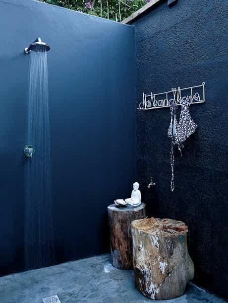 Diferentes duchas al aire libre